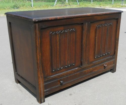 Linenfold Panelled Blanket Chest